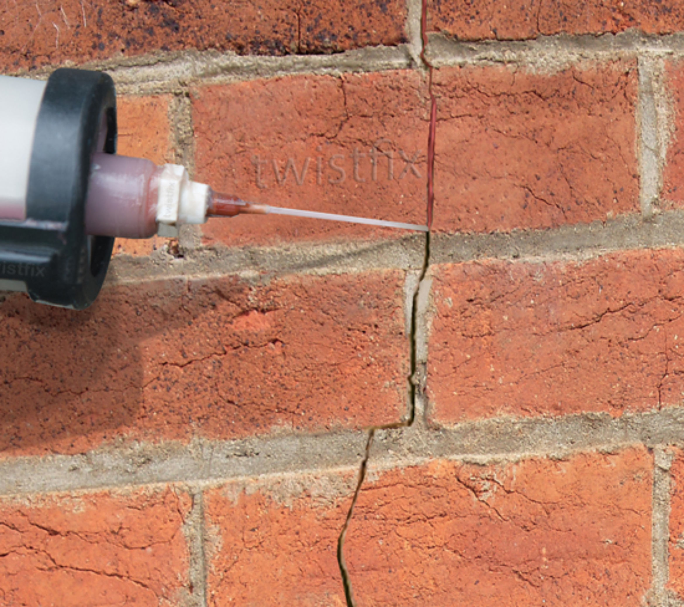 filling cracked brickwork