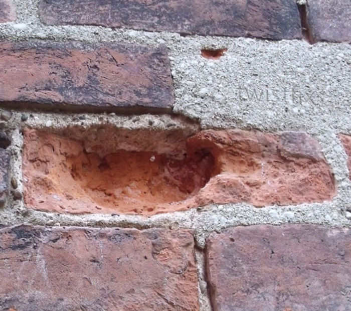 frost-damaged-brickwork