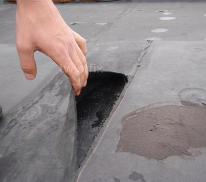 Leaking-flat-roof-seam