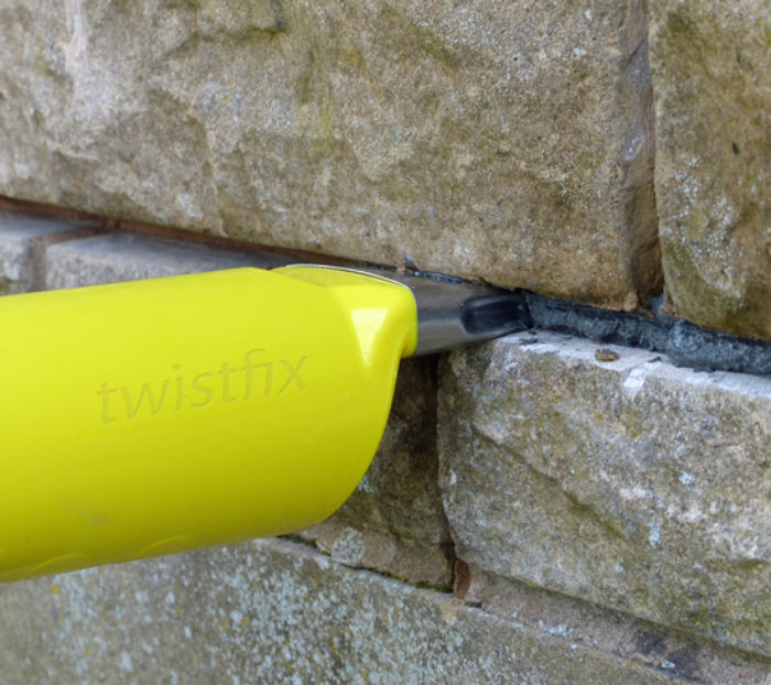 Repairing Cracked Brickwork | Grout Application