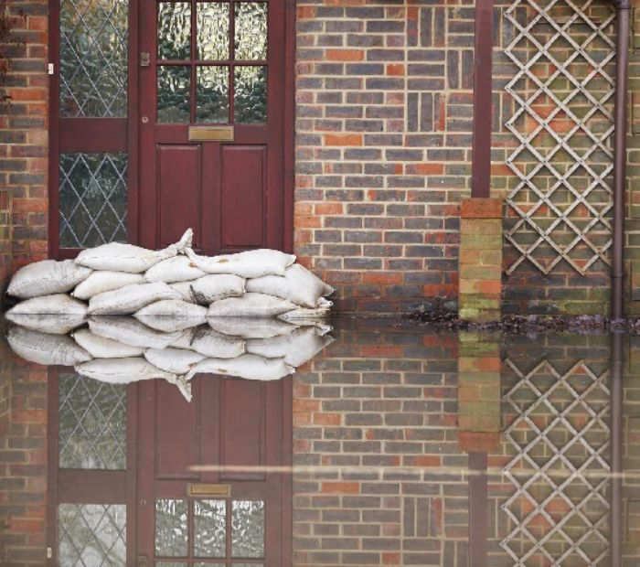 Sandbag cumbersome flood protection